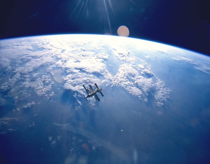 Earth1 (700x546, 372Kb)