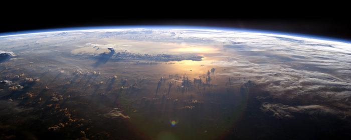 EarthFromSpace (700x280, 218Kb)