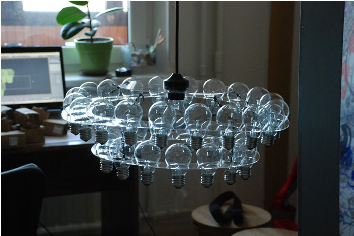 light_bulb_chandelier-3 (700x468, 72Kb)