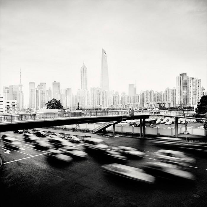 Красивые черно белые фото Шанхая от Martin Stavars 3 (700x700, 104Kb)
