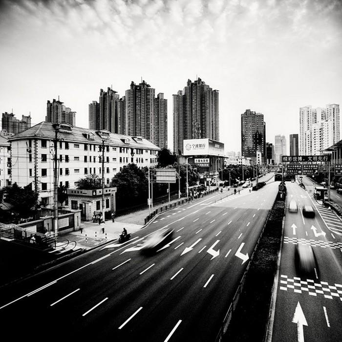 Красивые черно белые фото Шанхая от Martin Stavars 7 (700x700, 135Kb)