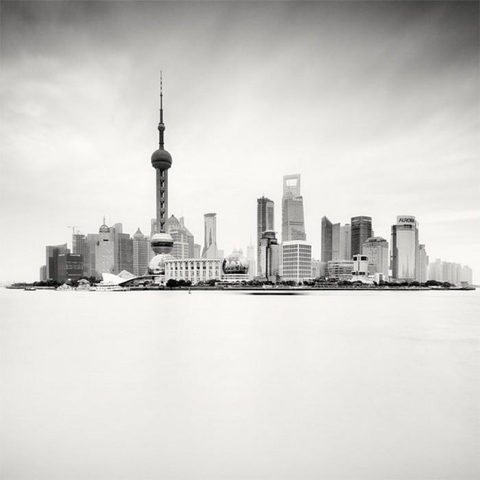 Красивые черно белые фото Шанхая от Martin Stavars 9 (700x700, 53Kb)