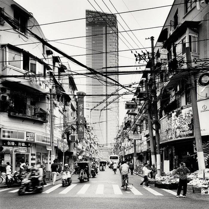 Красивые черно белые фото Шанхая от Martin Stavars 11 (700x700, 186Kb)