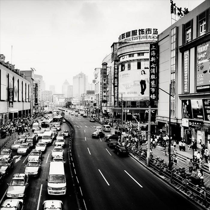 Красивые черно белые фото Шанхая от Martin Stavars 21 (700x700, 157Kb)
