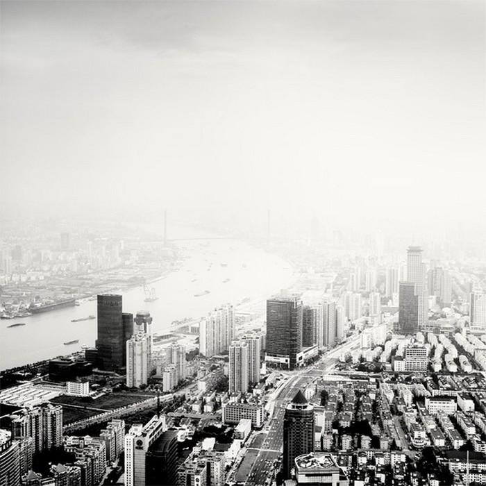 Красивые черно белые фото Шанхая от Martin Stavars 28 (700x700, 110Kb)
