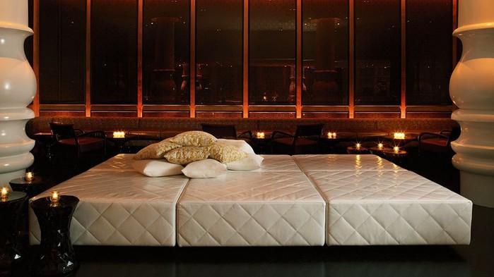 Удивительно красивый дизайн отеля Mondrian South Beach 36 (700x393, 63Kb)