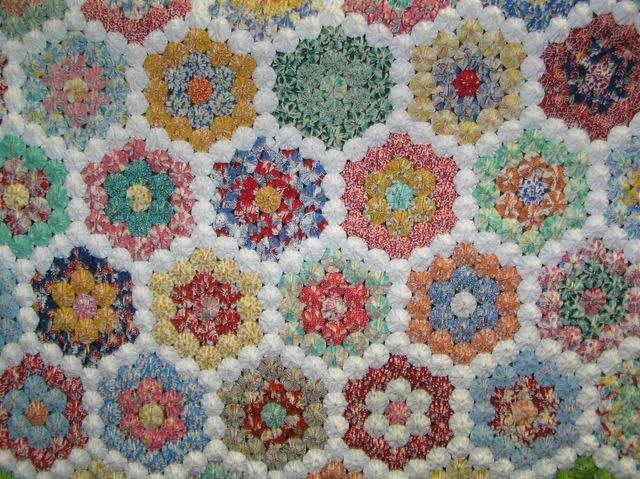 Jessica's YoYo Quilt 002[4] (640x479, 179Kb)