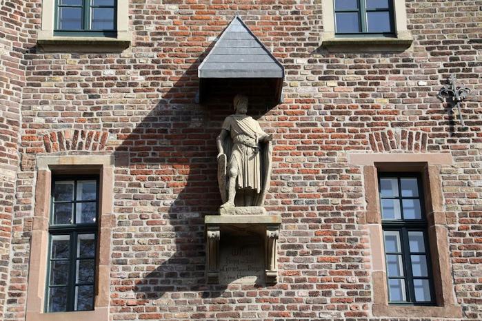 ЗАМОК Паттендорф - Schloss Paffendorf 29644