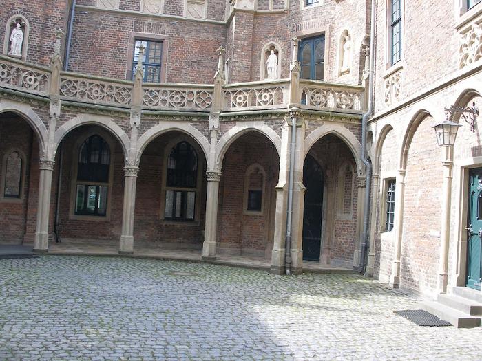 ЗАМОК Паттендорф - Schloss Paffendorf 53912