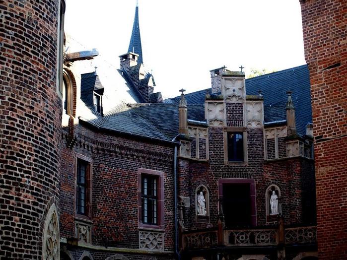 ЗАМОК Паттендорф - Schloss Paffendorf 58253