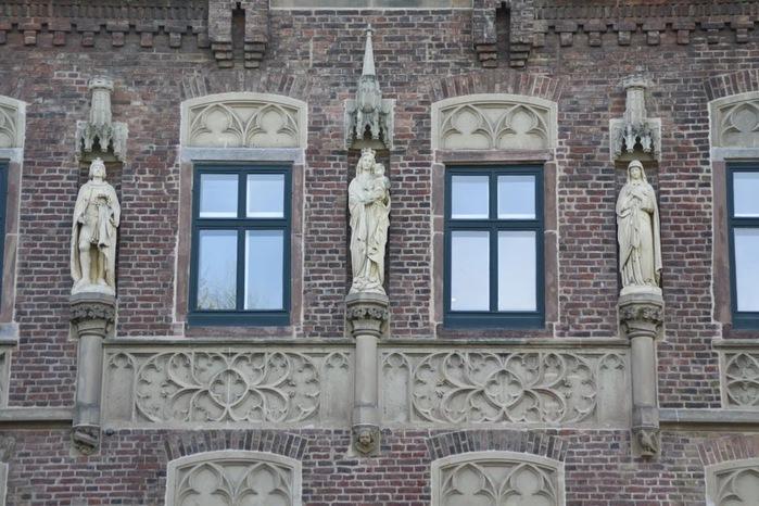 ЗАМОК Паттендорф - Schloss Paffendorf 61673