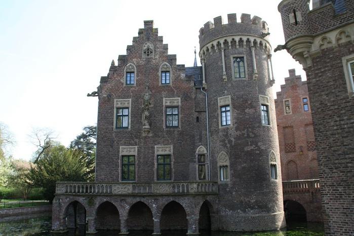 ЗАМОК Паттендорф - Schloss Paffendorf 84341