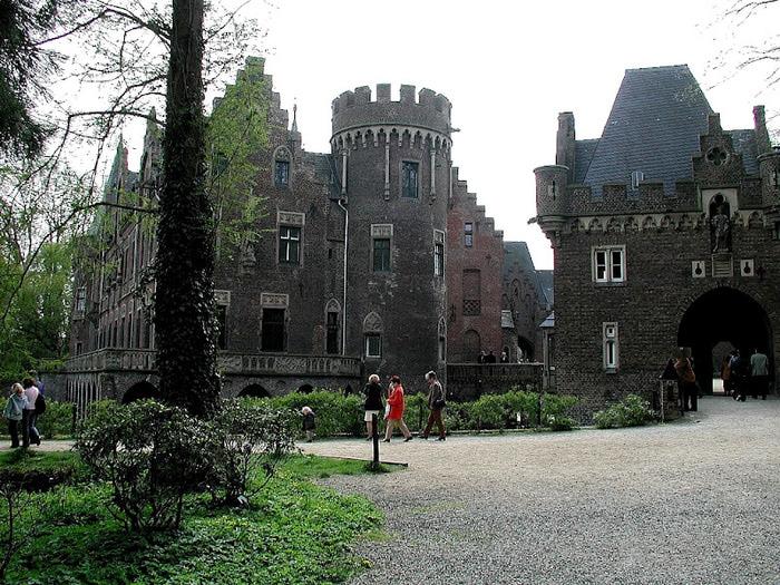 ЗАМОК Паттендорф - Schloss Paffendorf 85681