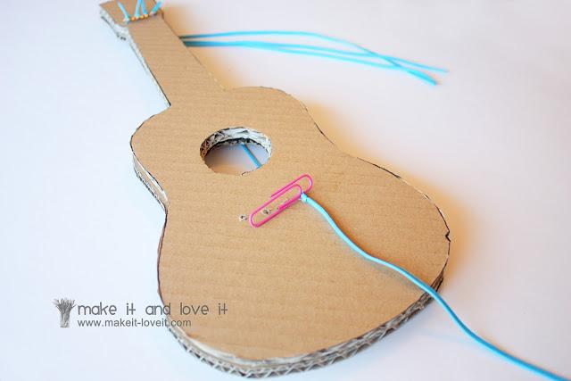 Сделать поделку гитару своими руками
