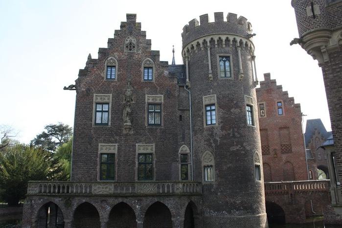 ЗАМОК Паттендорф - Schloss Paffendorf 40093