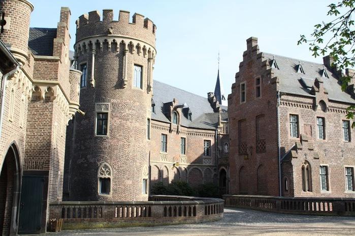 ЗАМОК Паттендорф - Schloss Paffendorf 40106