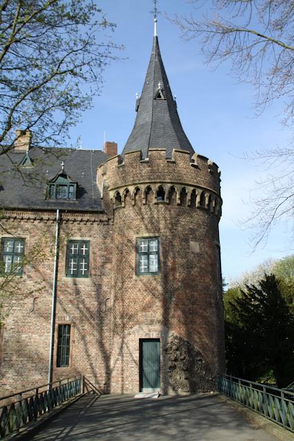 ЗАМОК Паттендорф - Schloss Paffendorf 33978