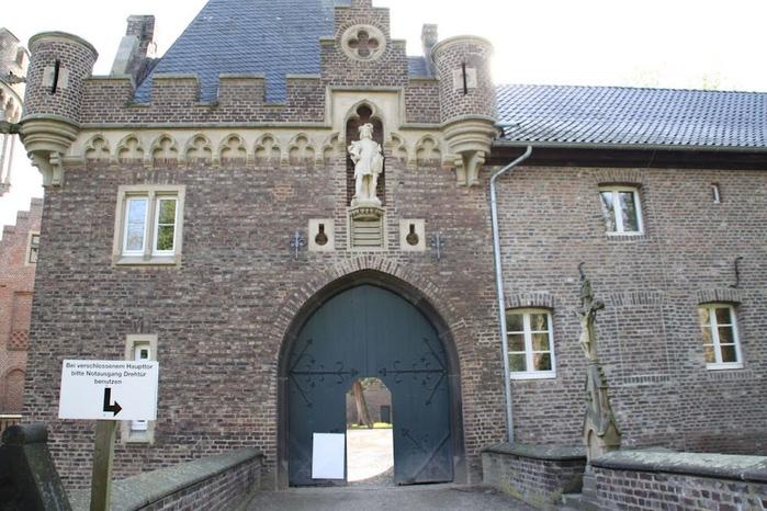 ЗАМОК Паттендорф - Schloss Paffendorf 52680