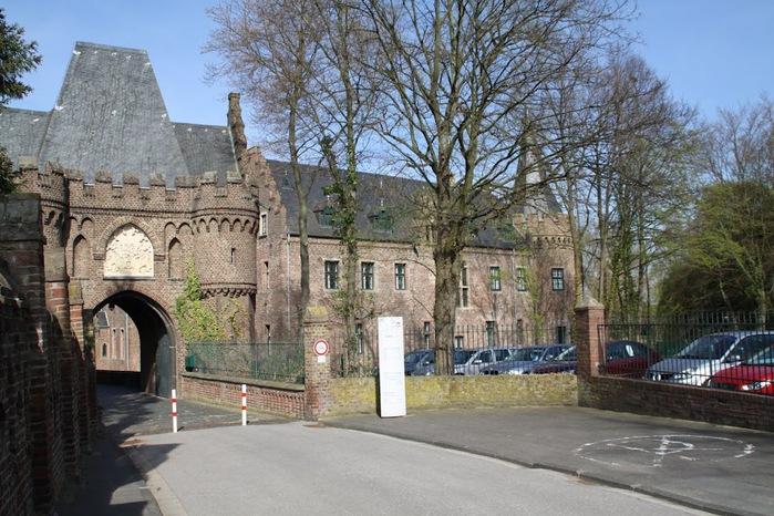 ЗАМОК Паттендорф - Schloss Paffendorf 71359