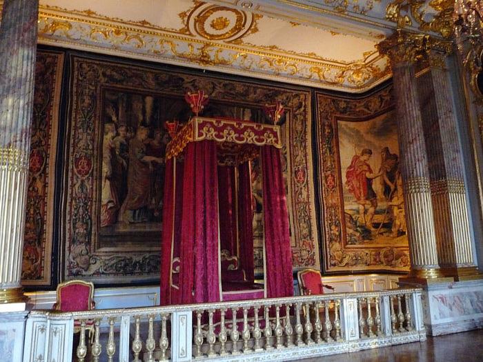 800px-Palais_Rohan-Chambre_du_roi_(3) (700x525, 121Kb)