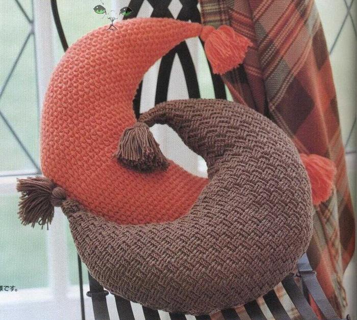 Связанная-декоративная подушка