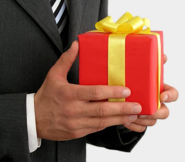 Как правильно выбрать подарок мужчине. Личные впечатления.