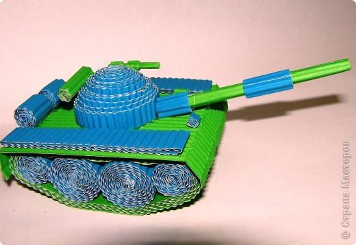 Поделка из картона танк