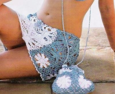 Простая пляжная юбка и сумочка