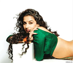 Превью Vidya Balan Hot Saree Strip for FHM Magazine 2010 (6) (700x609, 238Kb)