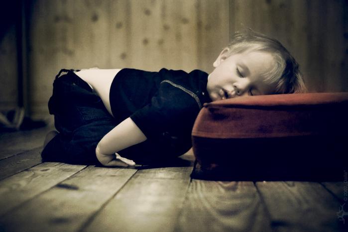 ребенок спит фото/3185107_spyashii_rebenok (700x466, 195Kb)