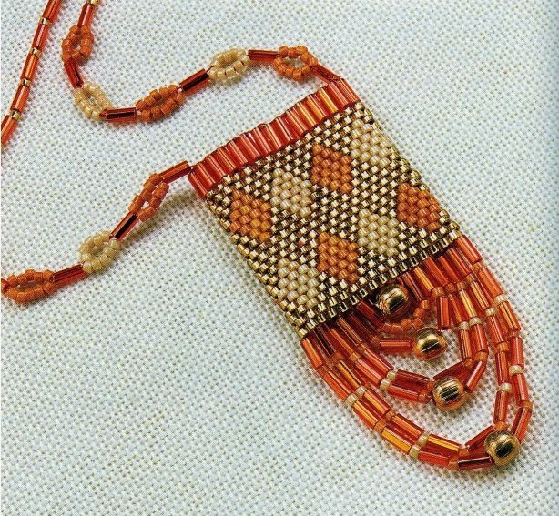 Бисероплетение схемы брелки и сувениры - Делаем фенечки своими руками.