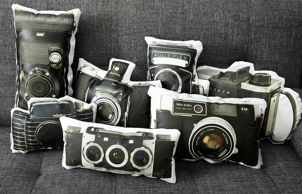 3925073_Vintage_Cameras_pillows_1 (600x385, 94Kb)