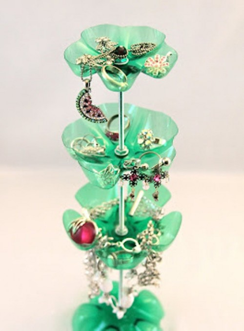 original-jewelry-stand-of-repurposed-plastic-bottles-6-500x679 (500x679, 49Kb)