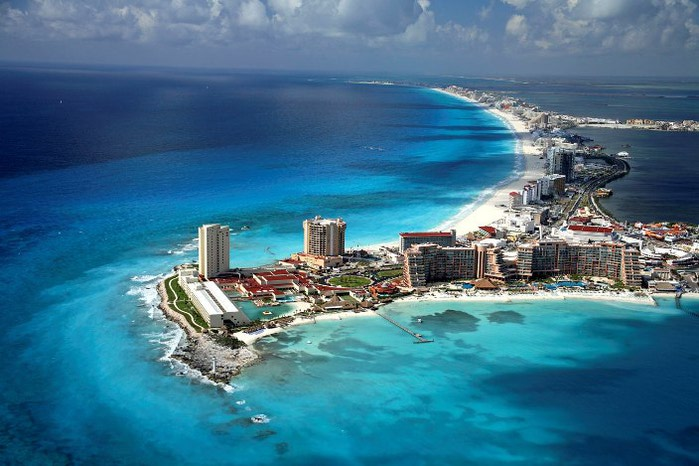 4278666_cancun_aerialbig (700x466, 80Kb)