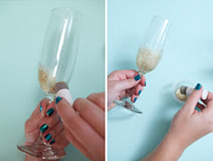 st-diy_personalized_champagne_glasses4 (700x528, 56Kb)