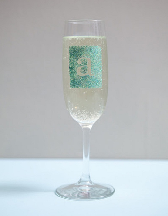 st-diy_personalized_champagne_glasses13 (542x700, 43Kb)