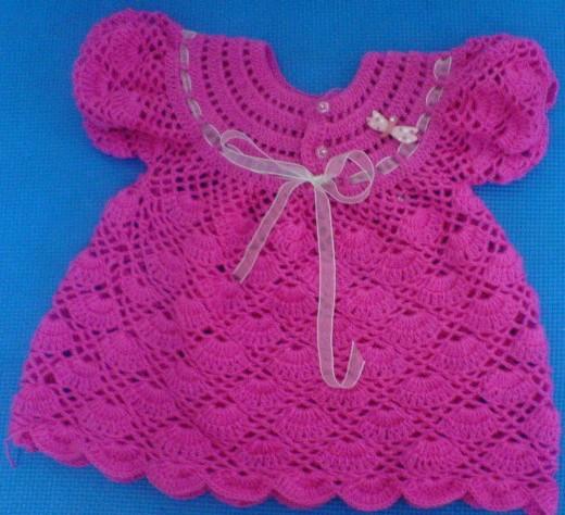 Платье ажурное на круглой кокетке с рукавчиками связано крючком для девочки/4683827_20120501_155018 (520x474, 74Kb)