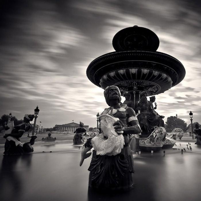 Черно-белые фото парижа Damien Vassart 2 (700x700, 87Kb)
