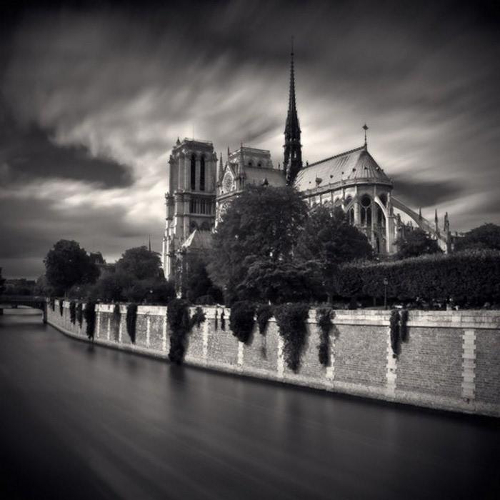 Черно-белые фото парижа Damien Vassart 7 (700x700, 85Kb)
