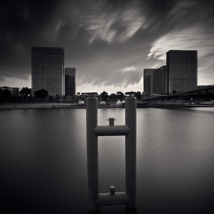 Черно-белые фото парижа Damien Vassart 12 (700x700, 58Kb)