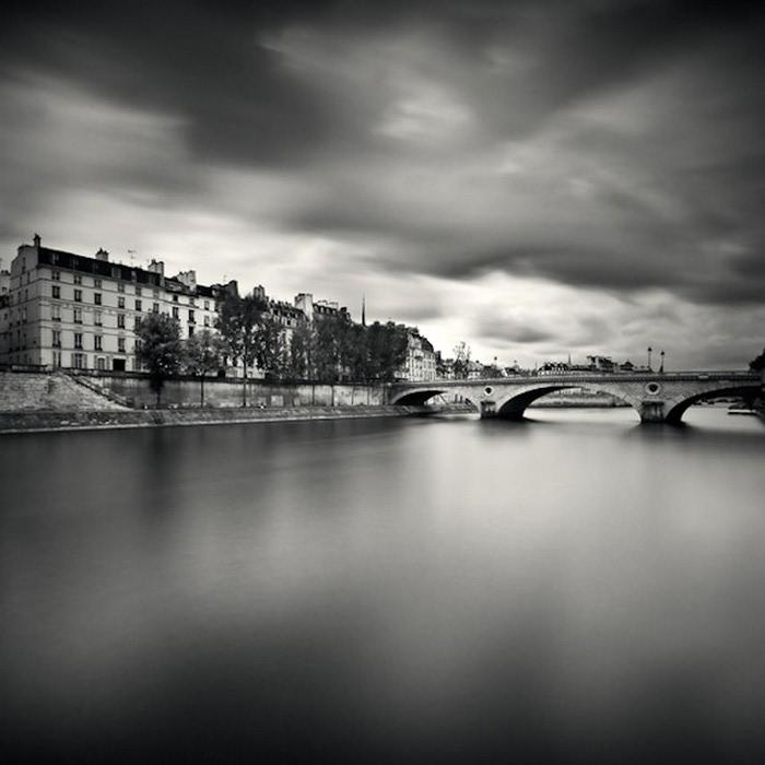 Черно-белые фото парижа Damien Vassart 14 (700x700, 65Kb)