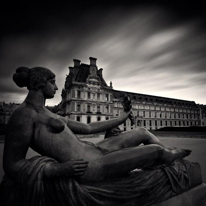 Черно-белые фото парижа Damien Vassart 16 (700x700, 88Kb)