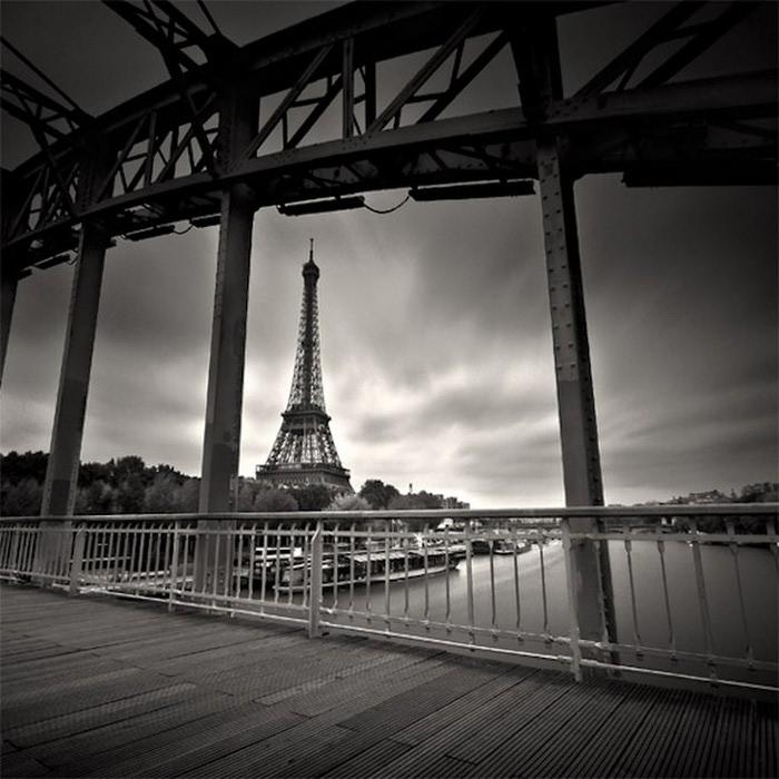 Черно-белые фото парижа Damien Vassart 17 (700x700, 105Kb)