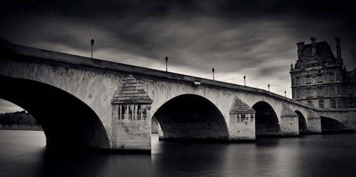 Черно-белые фото парижа Damien Vassart 18 (700x349, 42Kb)