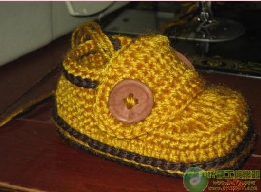 Вязаные крючком туфельки с застежкой для малыша,мастер-класс/4683827_20120503_091519 (536x395, 55Kb)