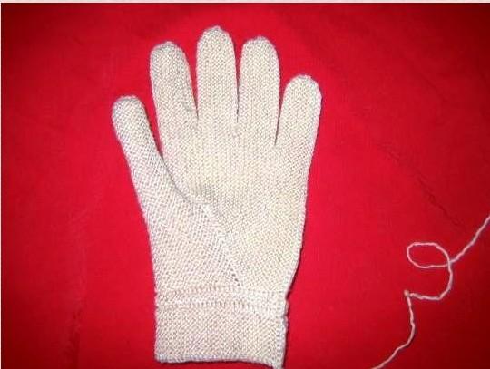 Способ вязания перчаток ,при котором они всегда будут идеально облегать руку,мастер-класс/4683827_20120429_123159 (540x407, 49Kb)