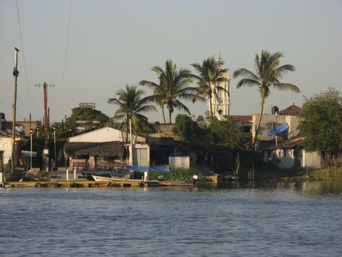 город на воде фото 3 (670x503, 70Kb)