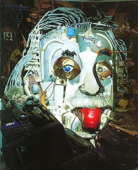 Красивые скульптуры из мусора 3 (567x700, 446Kb)