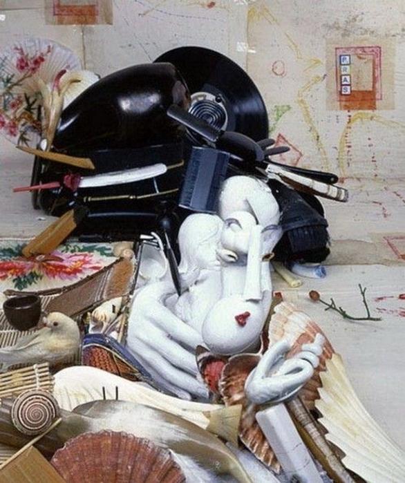 Красивые скульптуры из мусора 20 (586x700, 429Kb)