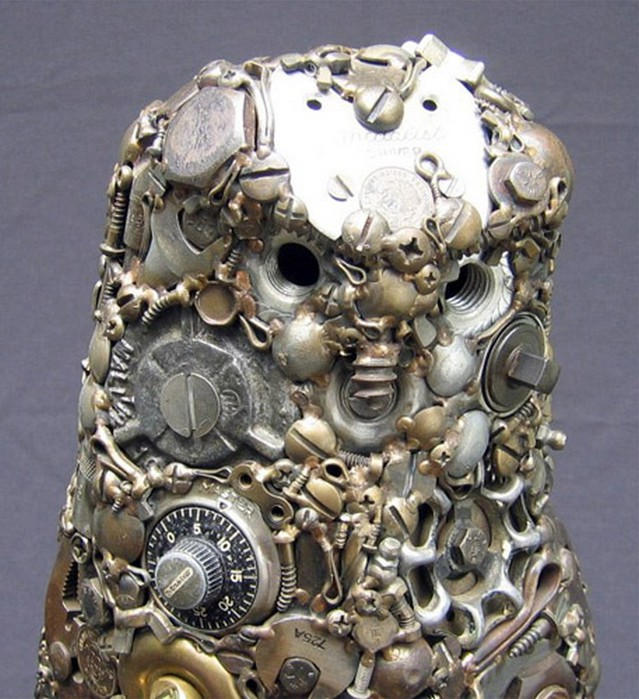 Красивые скульптуры из мусора 41 (639x700, 126Kb)